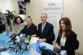 """O conselleiro de Economía e Industria, Francisco Conde, presenta a campaña """"Dálle Luz á túa factura"""""""