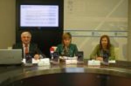 O director do Inega a directora xeral de Comercio e a xerente do IGC.