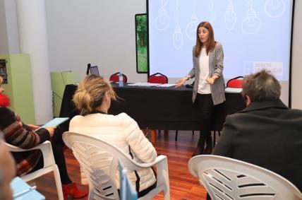 La directora general de Comercio y Consumo, Sol Vázquez,  en A Estrada