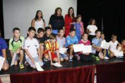 Un equipo de estudantes de Muros consigue o primeiro premio do certame de vídeos do programa Lecer Consumo do IGC