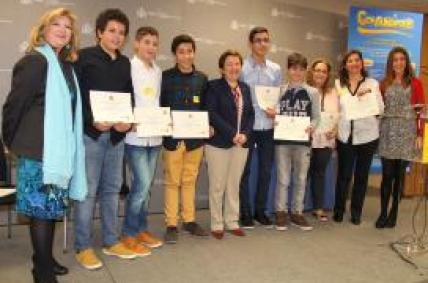 Alumnos do IES O Couto de Ourense reciben en Madrid o Premio Consumópolis de Consumo Responsable